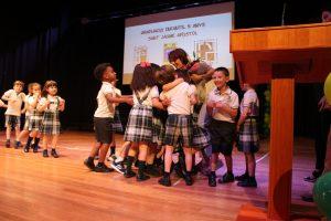 El colegio Sant Jaume celebra la ceremonia de graduación de los niños que terminan infantil