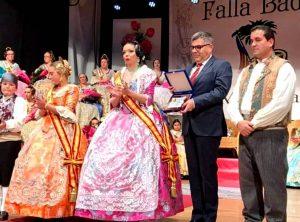 La Falla Badía  presenta a sus  Fallera Mayores y nombra Fallero de Honor al Delegado del Gobierno, Juan Carlos Fulgencio