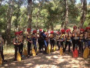 Los alumnos de 3º de ESO del Sant Jaume realizan rafting en el rio Cabriel en Cuenca