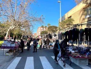 La proposta de Compromís per millorar la situació dels venedors del mercat ambulant és rebutjada per l'equip de govern